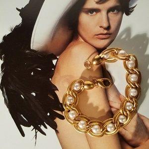 Vintage Goldtone Chain Faux Pearl Bracelet